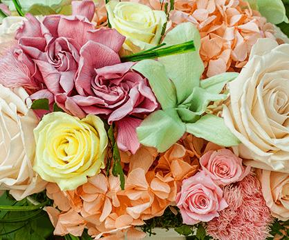 Готовые французские консервированные цветы купить букет из конфет подарок на 8 марта из рафаэлло