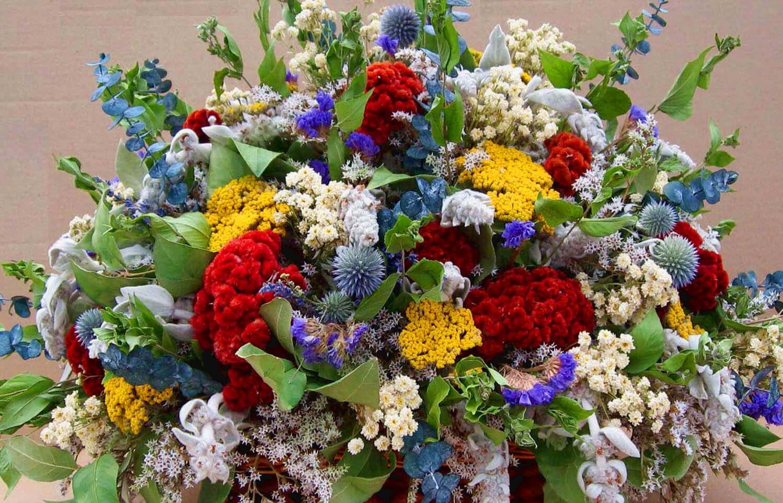 Композиции из цветов летом 2017