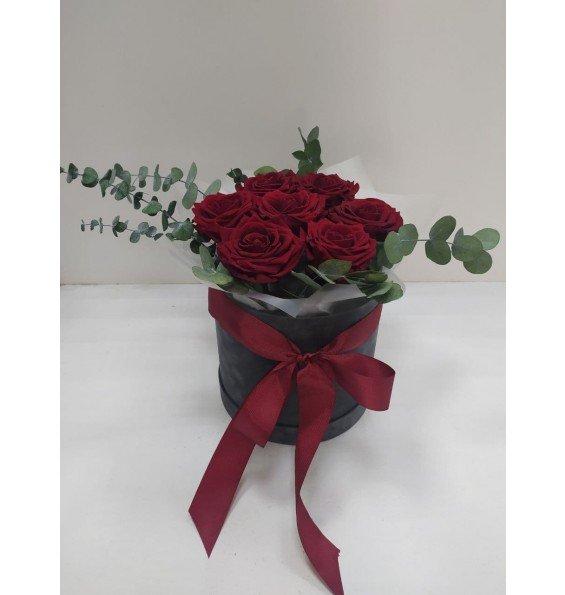 """Композиция """"Коробка красных роз"""""""