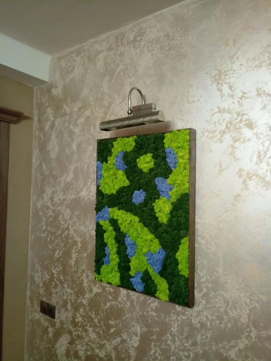 Картина в комнате из ягеля