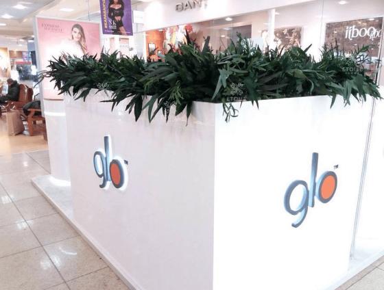 Озеленение промо-стоек компании «Glo» в торговых центрах