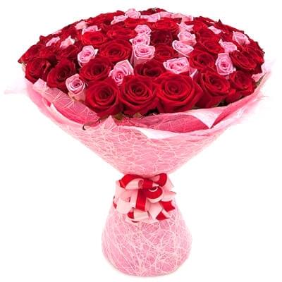 Букет роз в упаковке: фото