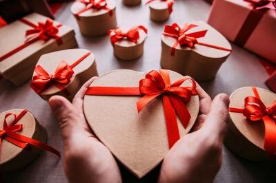 Подарки в упаковке: фото