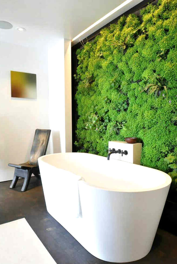 Стабилизированный мох в интерьере ванной